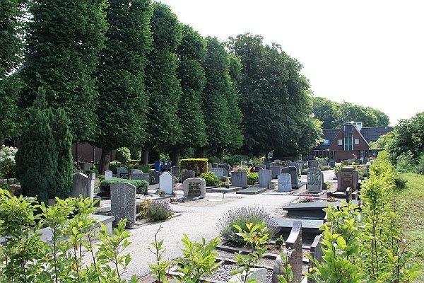 Begraafplaats en kerk